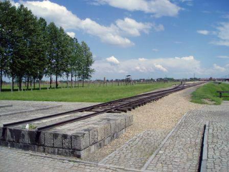 ビルケナウの鉄道引込線の最終ポイント